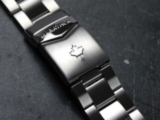 Marathon Stainless Steel Bracelet Maple Leaf 20mm